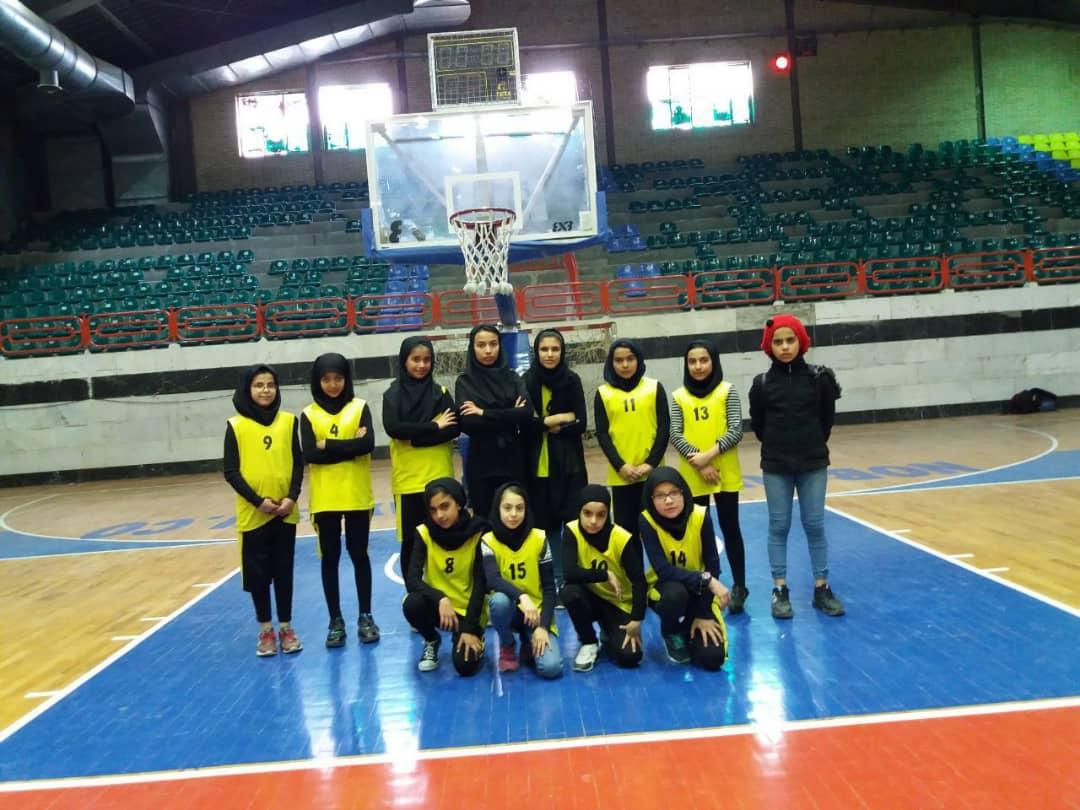 کسب نایب قهرمانی تیم بسکتبال دختران شهرستان فراهان در مسابقات استانی