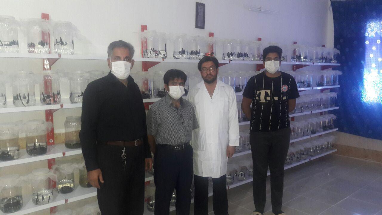 بازدید اعضای انجمن تلاشگران فراهان از موسسه فارم زالو در روستای برزاباد