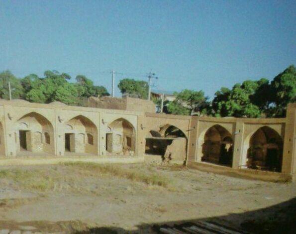 کاروانسرای مجد الملک در روستای دولت آباد فراهان